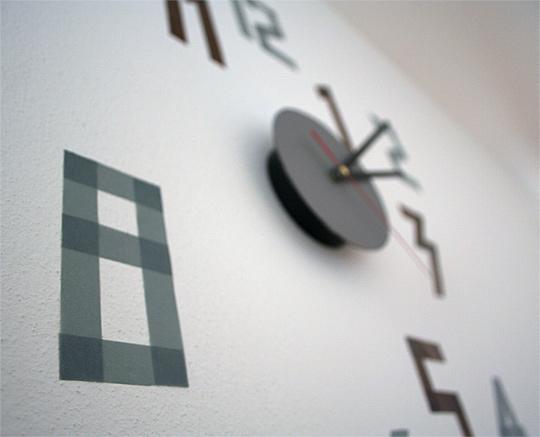 Minimalistické hodiny s ciframi z washi pásek